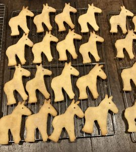 Mule shaped sugar cookies