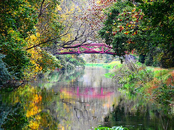 Woody's Bridge in Raubsville