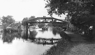 camelback bridge in morrisville