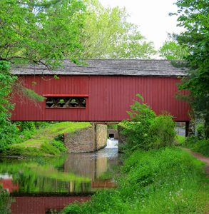 covered bridge in uhlerstown